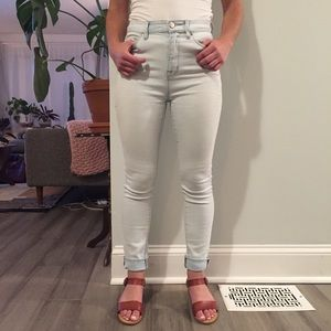 UO Twig High Rise Light Wash Jeans